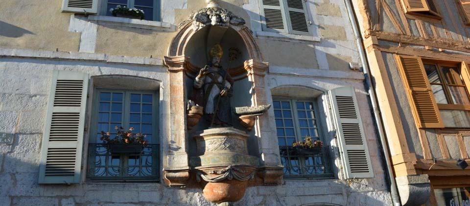 Place Saint-Nicolas à Auxerre